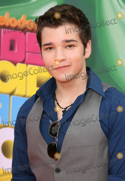 nathan kress shirt off 2010. how old is nathan kress 2011.