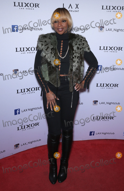 Photos From Mary J. Blige at LAX Nightclub