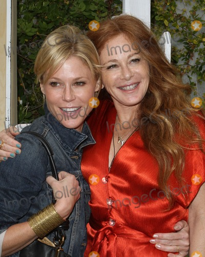 Kimberly Muller,Julie Bowen Photo - Kimberly Muller And Michael Muller Book Party For Last Night I Swam With A Mermaid
