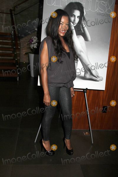 Golden Brooks Photo - Treats Magazine Spring Issue Party
