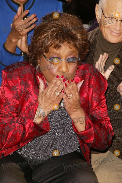 isabel sanford how did she die