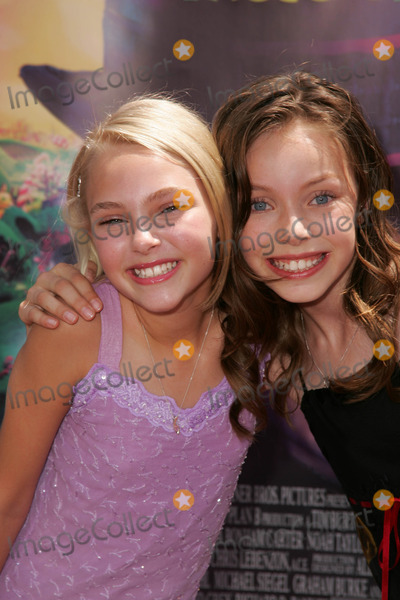 """Pictures From """"Charlie and the Chocolate Factory"""" World ... Julia Winter And Annasophia Robb"""