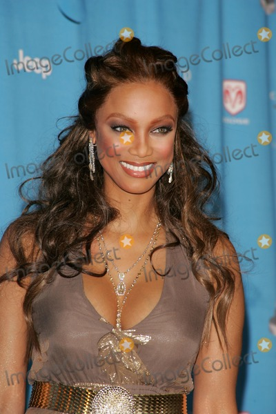 Tyra Banks Photo - The 37th Annual NAACP Image Awards Arrivals