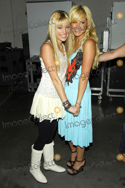 Miley Cyrus,Ashley Tisdale Photo - The Radio Disney Totally 10 Birthday Concert