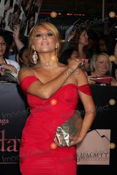 Cassie,Cassie Scerbo Photo - Twilight Breaking Dawn Part 1 World Premiere