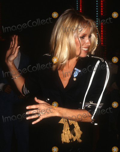 Suzanne Somers Photo - Adam Scull Stock - Archival Pictures - PHOTOlink - 104573