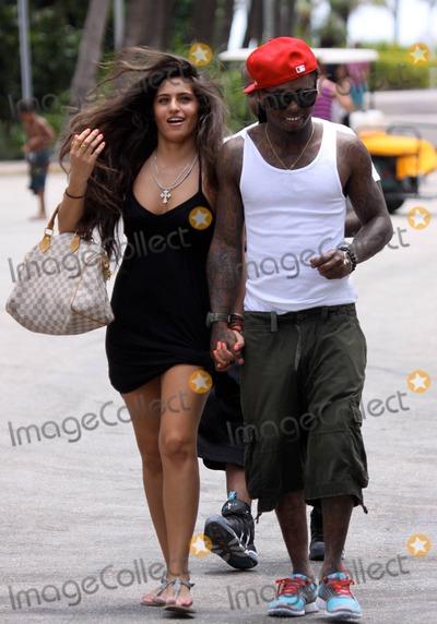 Tank,Lil Wayne,Lil' Wayne Photo - Lil Wayne Girlfriend Beach