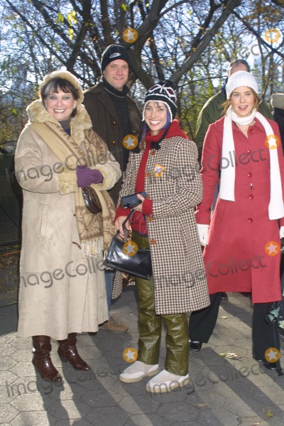 Jere Burns Photo - Sd11282002 76th Annual Macys Thanksgiving Day Parade Jere Burns_mark Feuerestein Suzanna Pleshette_matt Letscher Photo by Henry McgeeGlobe Photosinc NYC