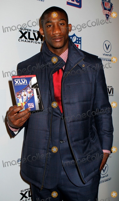 Antrel Rolle Photo - March 5 2012 New York CityAntrel Rolle of the New York Giants at the Super Bowl XLVI Champions New York Giants Blue Carpet VIP premiere at the Regal E-Walk Stadium 13 on March 5 2012 in New York City