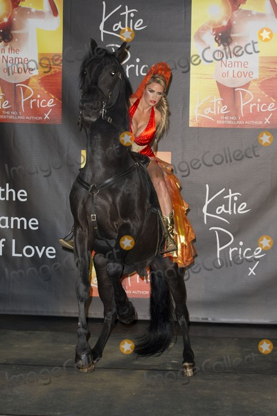 Katie Price Photo - Katie Price Book Launch