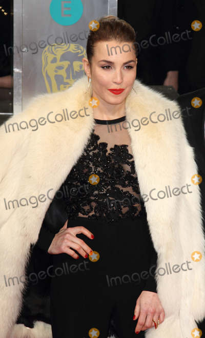 Noomi Rapace Photo - London UK Noomi Rapace at the EE BAFTA British Academy Film Awards Red Carpet Arrivals at the Royal Opera House Covent Garden London 8th February  2015 RefLMK73-50550-090215Keith MayhewLandmark MediaWWWLMKMEDIACOM