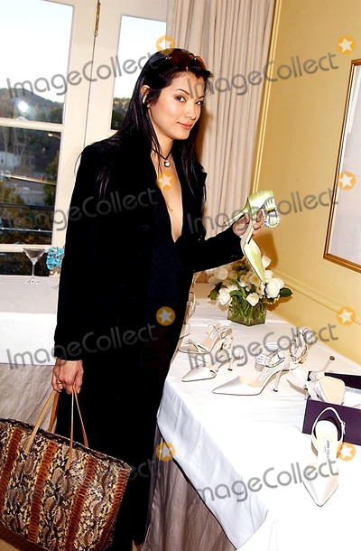 Jimmy Choo Photo -  Jimmy Choos Oscar 2002 Collection Peninsula Hotel Beverly Hills CA 03182002 Kelly Hu Photo by Amy GravesGlobe Photosinc2002 (D)