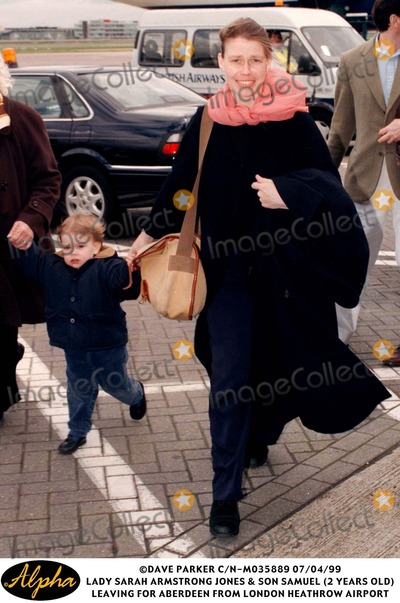Lady Sarah Chatto Photo - 0499 Lady Sarah Armstrong Jones  Son Samuel (2 Years Old) Leaving For Aberdeen From London Heathrow Airport
