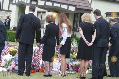 THE GATES,Ronald Prescott Reagan,Ronald Reagan,Patti Davis,President Ronald Reagan,Former President Ronald Reagan,Nancy Reagan Photo - Ronald Reagan Funeral