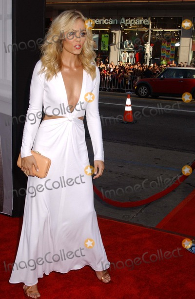 Laura Vandervoort Photo - Ted premiere
