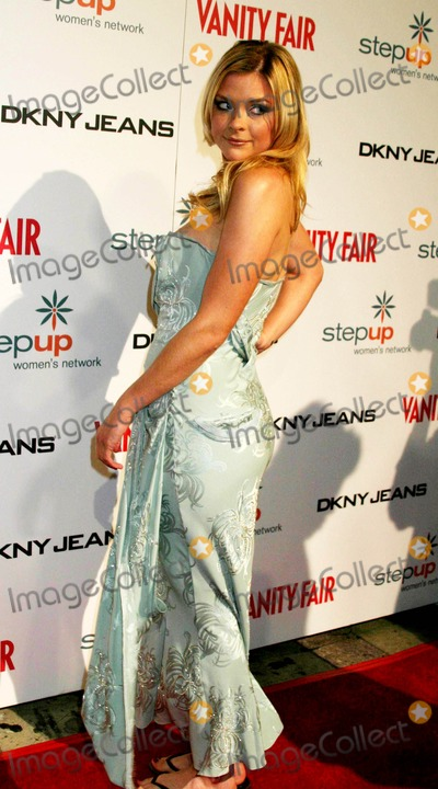 Jaime King Photo - Dkny Jeans Presents Vanity Fair in Concert to Benefit Step Up Womens Network