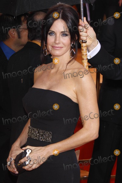 Courtney Cox,Foreigner Photos - Actress Courtney Cox Arrives at the 67th Annual Golden Globes Awards Presented by the Hollywood Foreign Press Association at Hotel Beverly Hilton in Beverly Hills Los Angeles USA on January 17th 2010 Photo by Alec Michael-Globe Photos Inc