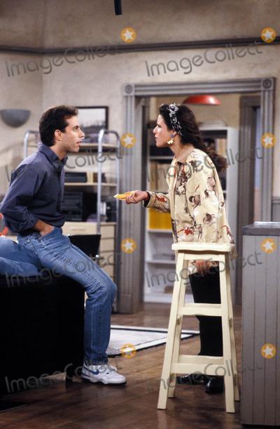 Jerry Seinfeld Photo - Seinfeld Jerry Seinfeld Julia Louis-dreyfus 10-24-1993 Tv-film Still Photo Supplied by Globe Photos