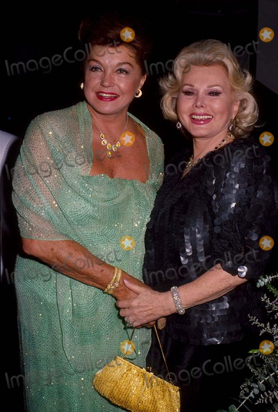 Zsa Zsa Gabor Photos - Zsa Zsa Gabor with Ester Williams 7-1985 13709 Photo by Phil Roach-ipol-Globe Photos Inc