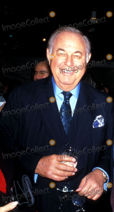 Alfred Taubman Photo -  1998 Forbes 400 Rich List and Vanity Fair New Establishment Alfred Taubaum Photo by Marina Garnier  Globe Photosinc