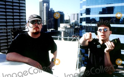 ANDY  LARRY WACHOWSKI Photo -  the Matrix Directors Andy_larry Wachowski Supplied by Rangefinder  Globe Photosinc