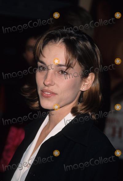 Amy Jo Johnson Photo - Amy Jo Johnson Patch Adams Premiere at Cineplex Odeon in Los Angeles  Ca 1998 K14390lr Photo by Lisa Rose-Globe Photos Inc