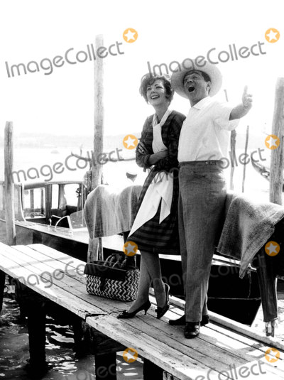 Anna Moffo Photo - Anna Moffo and Robert Merill Venice Italy Photo Globe Photos Inc Robertmerrillretro