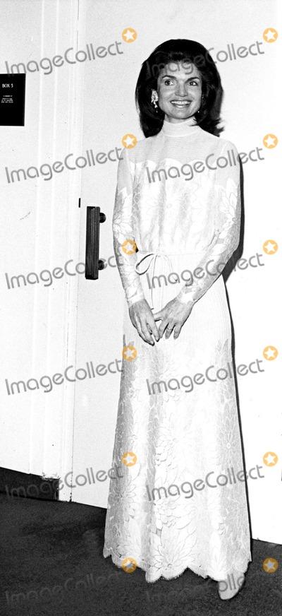 Jacqueline Kennedy Onassis Photo - Jacqueline Kennedy Onassis Ny692 Globe Photos Inc Jacquelinekennedyonassisobit