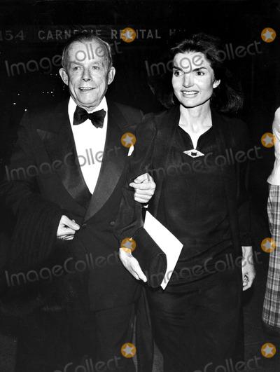 Jacqueline Kennedy Onassis Photo - William Walton and Jacqueline Kennedy Onassis Globe Photos Inc Jacquelinekennedyonassisobit