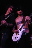 Dave Navarro Photo - Billy Morrison and Dave Navarro at DKNY Jeans Presents Vanity Fair in Concert to Benefit Step-Up Womens Network Wiltern Theater Los Angeles CA 10-23-04