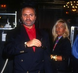 Gianni Versace Photo - Gianni Versace6916JPG1990 FILE PHOTONew York NYGianni VersacePhoto by Adam ScullPHOTOlinknetONE TIME REPRODUCTION RIGHTS ONLY813-995-8612 - eMail ADAMcopyrightPHOTOLINKNET