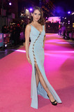 Alison Brie Photo - Photo by KGC-42starmaxinccomSTAR MAX2016ALL RIGHTS RESERVEDTelephoneFax (212) 995-11962916Alison Brie at the European Premiere of How To Be Single(London England)