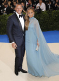 Alex Rodriguez Photo - Photo by XPXstarmaxinccomSTAR MAXCopyright 2017ALL RIGHTS RESERVEDTelephoneFax (212) 995-11965117Alex Rodriguez and Jennifer Lopez at the 2017 Costume Institute Gala - Rei KawakuboComme des Garcons Art Of The In-Between(Metropolitan Museum of Art NYC)