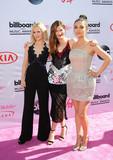 Kristen Bell Photo - Photo by SunstarmaxinccomSTAR MAX2015ALL RIGHTS RESERVEDTelephoneFax (212) 995-119652216Kristen Bell Kathryn Hahn and Mila Kunis at The 2016 Billboard Music Awards(Las Vegas Nevada)