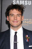 Sam Claflin Photo - Photo by KGC-136starmaxinccomSTAR MAXCopyright 2015ALL RIGHTS RESERVEDTelephoneFax (212) 995-1196111615Sam Claflin at the premiere of The Hunger Games Mockingjay - Part 2(Los Angeles CA)