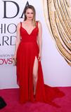 Alicia Silverstone Photo - Photo by XPXstarmaxinccomSTAR MAXCopyright 2016ALL RIGHTS RESERVEDTelephoneFax (212) 995-11966616Alicia Silverstone at the 2016 CFDA Fashion Awards(NYC)
