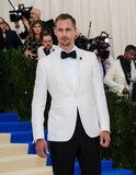 Alexander Skarsgard- Photo - Photo by ESBPstarmaxinccomSTAR MAXCopyright 2017ALL RIGHTS RESERVEDTelephoneFax (212) 995-11965117Alexander Skarsgard at the 2017 Costume Institute Gala - Rei KawakuboComme des Garcons Art Of The In-Between(Metropolitan Museum of Art NYC)