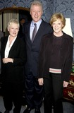 Judi Dench Photo - Dave Benettalpha 049879 291102 Dame Judi Dench Bill Clinton and Dame Maggie Smith -Breath of Life Play at the Theatre Royal in London Photo Bydave BenettalphaGlobe Photos Inc 2002
