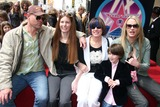Page Hannah Photo - Music Producer Lou Adler Honoured with Star on the Hollywood Walk of Fame Hollywood CA 04-06-2006 Photo Clinton H WallacephotomundoGlobe Photos Daryl Hannah and Family - Don Hannah Page Hannah Mom - Debbie Mezzoni Nephew and Daryl Hannah