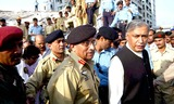 Pervez Musharraf Photo - Islamabad Oct08 - President General Pervez Musharraf and Prime Minister Shaukat Aziz Visiting Collapsed 10-story Apartment Building After a Severe Earthquake Jolts Islamabad Photo Zahid  Pgp  Omedias  Globe Photos Inc