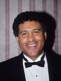Greg Gumbel Photo - Greg Gumbel National Academy of Tv Arts  Sciences Sports Award 1994 L8078ml Photo by Mitchell Levy-Globe Photos Inc