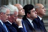 Ian Duncan Smith Photo - ALPHA M045299 14_09_01John MajorDouglas HurdWilliam HagueGordon Brown and new Tory leader Ian Duncan Smith-REMEMBERANCE SERVICE AT ST PAULS CATHEDRAL LONDON FOR THE VICTIMS OF TERRORIST ATTACKS IN AMERICAALPHAGLOBE PHOTOS INCALPHAGLOBE PHOTOS INC