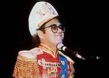 Elton John Photo - Elton John 10-31-1982 Photo by Action Press-ipol-Globe Photos Inc