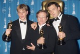 Ben Affleck Photo - Robin Williams with Matt Damon and Ben Affleck at the 70th Academy Awards Oscars 1998 K11721lr Photo by Lisa Rose-Globe Photos Inc