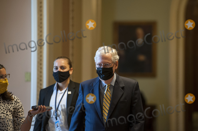 Photo - McConnell Walks to the US Senate Chamber