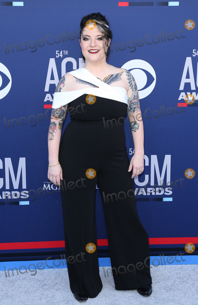 Ashley McBryde Photo - 07 April 2019 - Las Vegas NV - Ashley McBryde 54th Annual ACM Awards Arrivals at MGM Grand Garden Arena Photo Credit MJTAdMedia