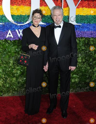 Warren Beatty Photo - 09 June 2019 - New York NY - Annette Bening and Warren Beatty 73rd Annual Tony Awards 2019 held at Radio City Music Hall in Rockefeller Center Photo Credit LJ FotosAdMedia