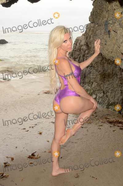 Photo - Frenchy Morgan behind the scenes of her shoot for Bare Bikinis