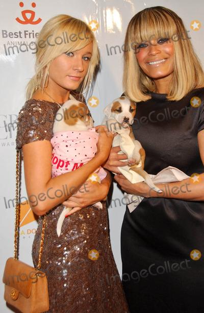 Blu Cantrell Photo - Yana K and Blu Cantrellat the Crystal Canine Fashion Show LA Dogworks Los Angeles CA 04-23-07