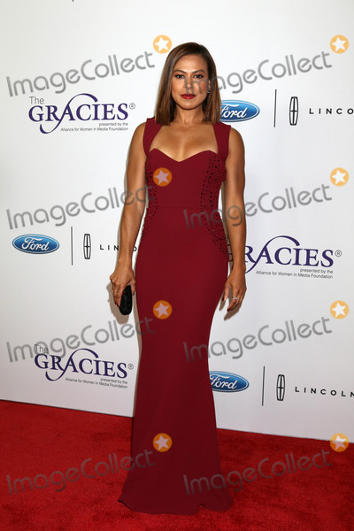 Photo - Toni Trucksat the 42nd Annual Gracie Awards Beverly Wilshire Hotel Beverly Hills CA 05-22-18